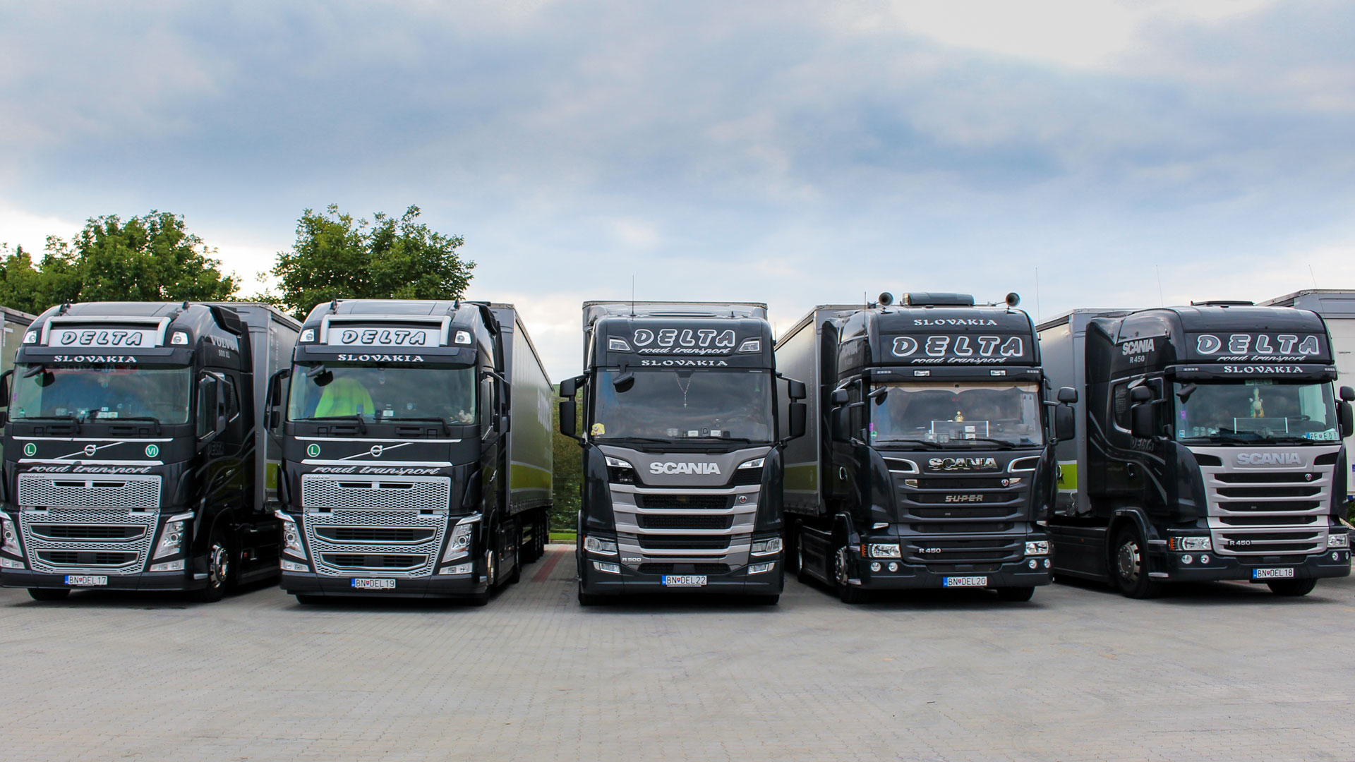 Delta-road-transport_Scania+Volvo